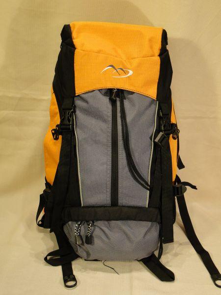 9e24f6da typ: plecak turystyczny marka: Tesco model: b/d pojemność: 45 litrów .